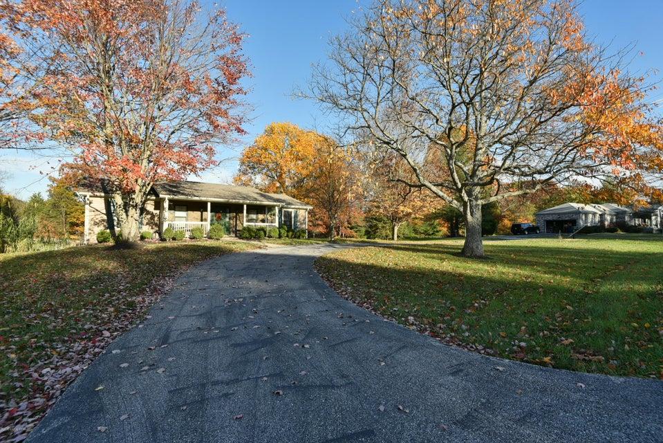 Single Family Home for Sale at 3107 Pin Oak Drive 3107 Pin Oak Drive La Grange, Kentucky 40031 United States