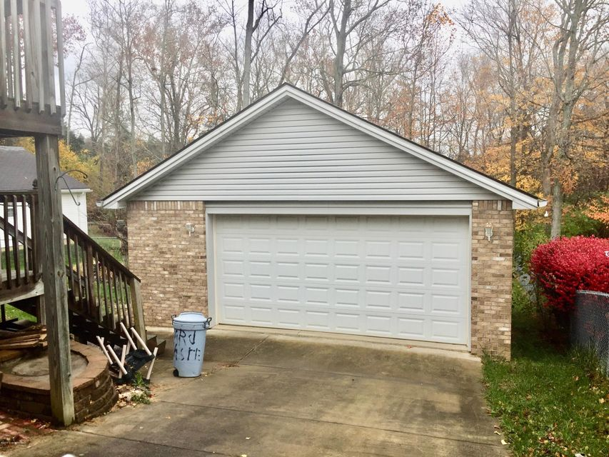 Additional photo for property listing at 11708 Reality Trail 11708 Reality Trail Louisville, Kentucky 40229 United States