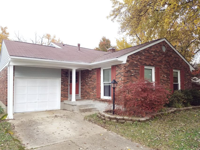 Single Family Home for Sale at 8309 Autumnwood Way 8309 Autumnwood Way Louisville, Kentucky 40291 United States