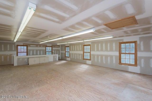 Additional photo for property listing at 1405 Walnut Lane 1405 Walnut Lane Louisville, Kentucky 40223 United States