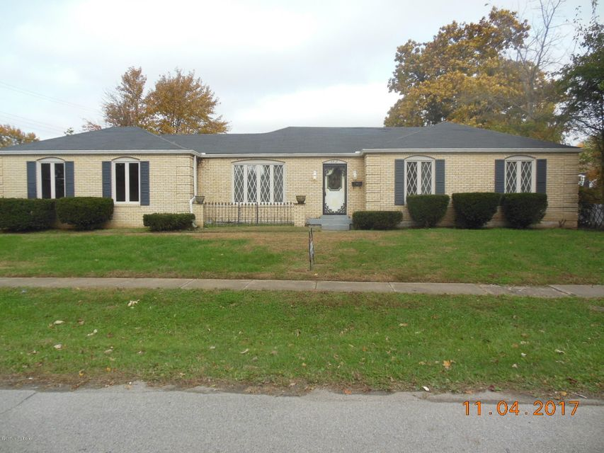 Single Family Home for Rent at 4207 Landside Drive 4207 Landside Drive Louisville, Kentucky 40220 United States
