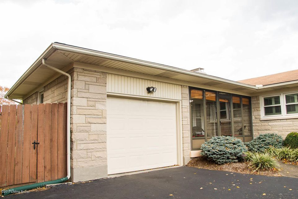 Additional photo for property listing at 7511 Westport Road 7511 Westport Road Louisville, Kentucky 40222 United States