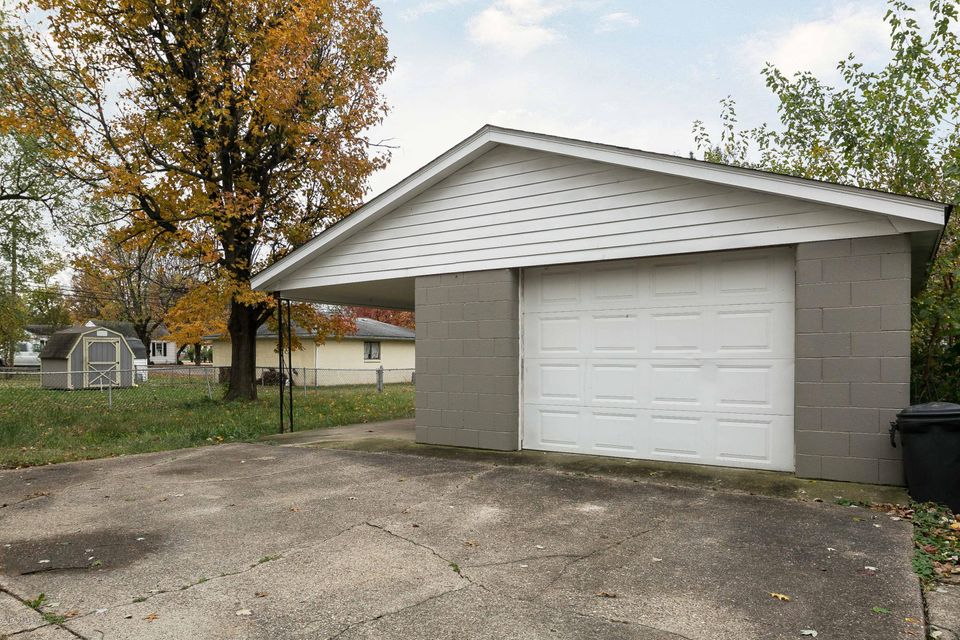 Additional photo for property listing at 2306 Thomas Avenue 2306 Thomas Avenue Louisville, Kentucky 40216 United States