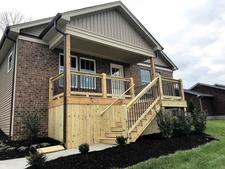 Single Family Home for Sale at 1610 E Crystal Drive 1610 E Crystal Drive La Grange, Kentucky 40031 United States