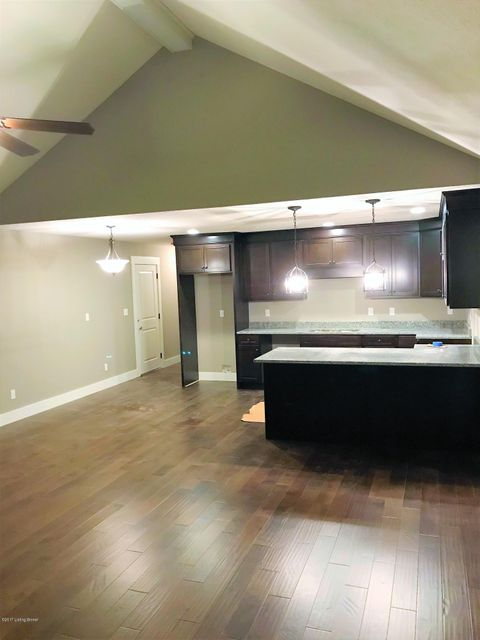 Additional photo for property listing at 1610 E Crystal Drive 1610 E Crystal Drive La Grange, Kentucky 40031 United States