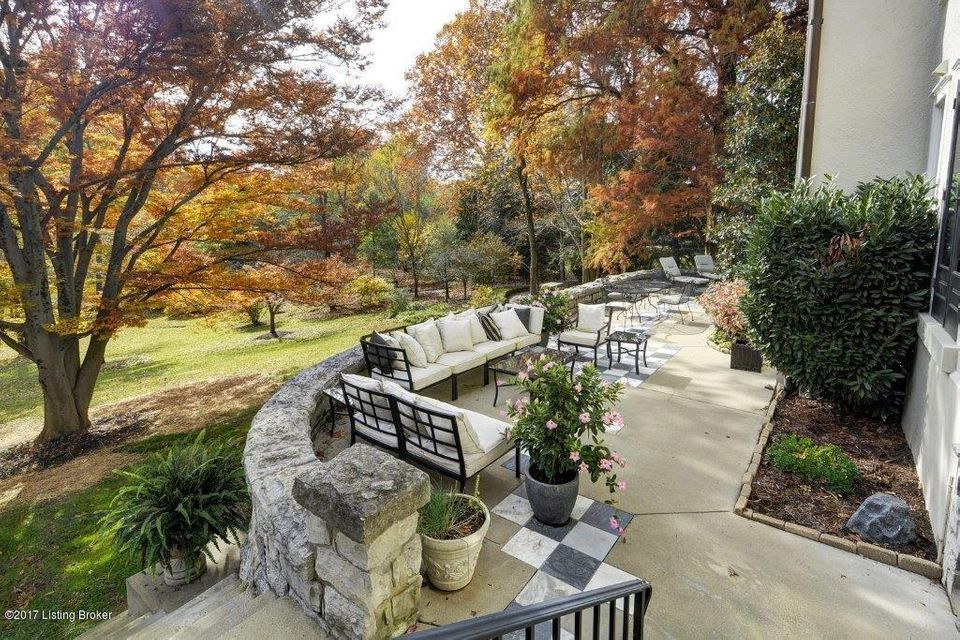 Additional photo for property listing at 29 River Hill Road 29 River Hill Road Louisville, Kentucky 40207 United States