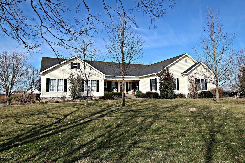 Single Family Home for Sale at 2570 Todds Point Road 2570 Todds Point Road Simpsonville, Kentucky 40067 United States