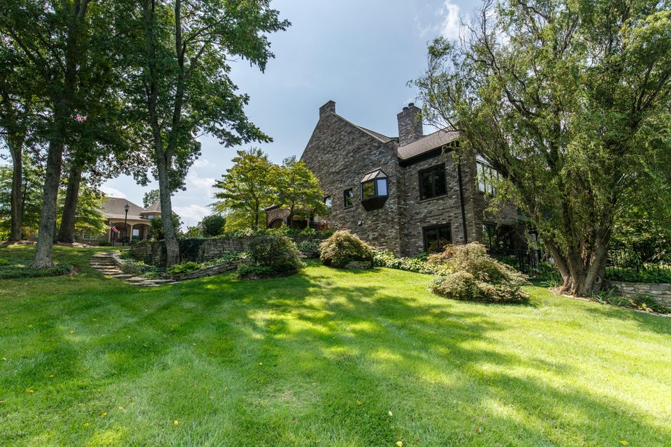 Single Family Home for Sale at 213 Buckland Trace 213 Buckland Trace Louisville, Kentucky 40245 United States