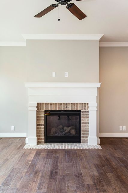 Additional photo for property listing at 5916 Brentwood Drive 5916 Brentwood Drive Crestwood, Kentucky 40014 United States