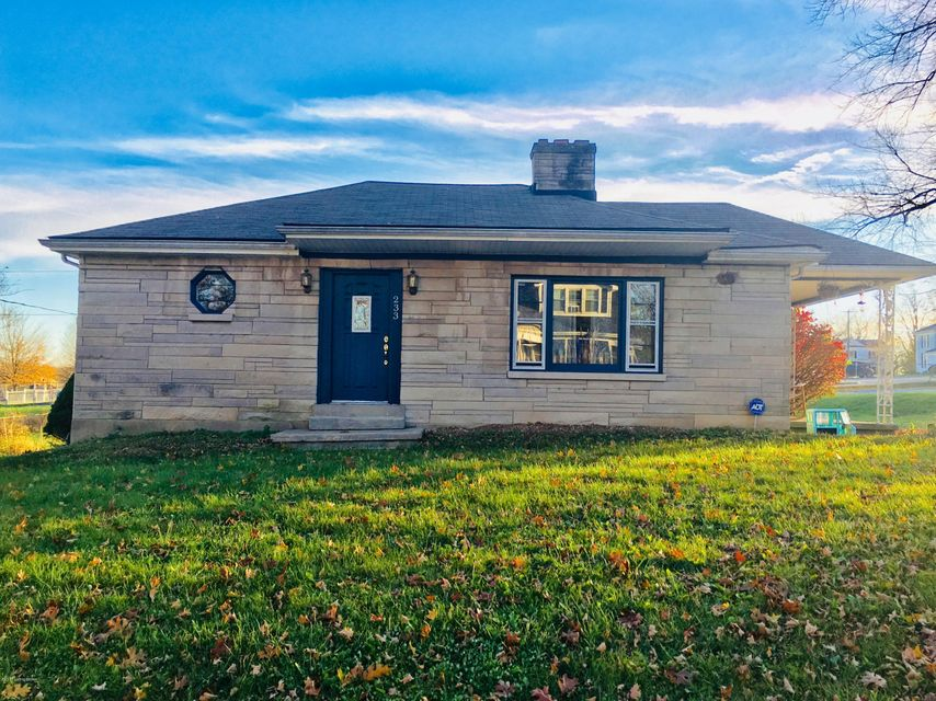 Single Family Home for Sale at 233 E Cross Main Street 233 E Cross Main Street New Castle, Kentucky 40050 United States