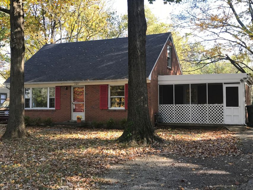 Single Family Home for Sale at 2903 Valley Drive 2903 Valley Drive Louisville, Kentucky 40299 United States