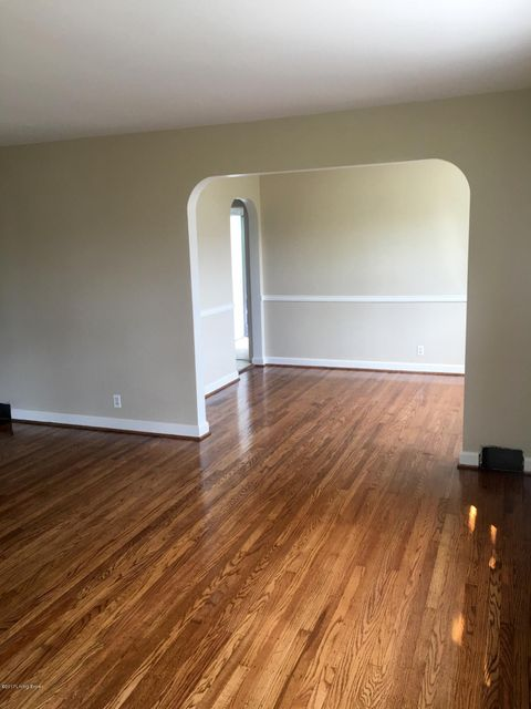 Additional photo for property listing at 303 Primrose Drive 303 Primrose Drive Louisville, Kentucky 40207 United States