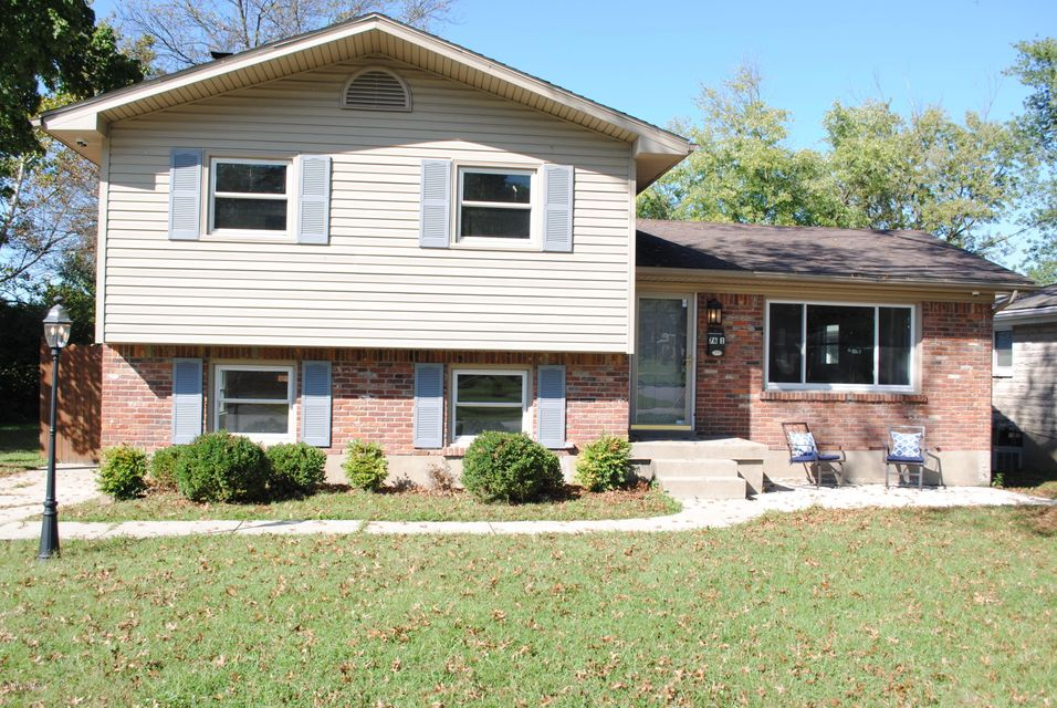 Single Family Home for Sale at 7601 Pimlico Drive 7601 Pimlico Drive Louisville, Kentucky 40214 United States