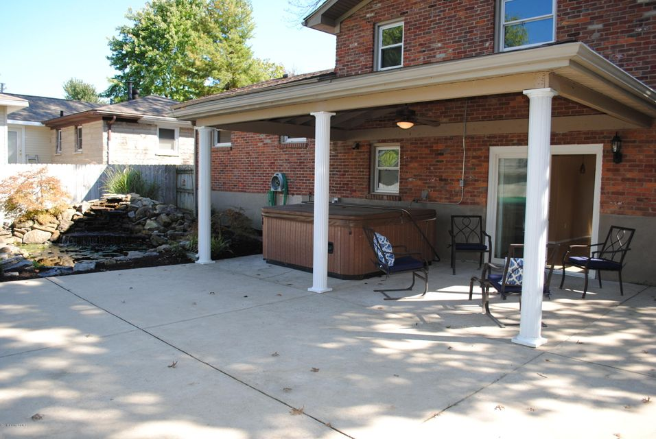 Additional photo for property listing at 7601 Pimlico Drive 7601 Pimlico Drive Louisville, Kentucky 40214 United States