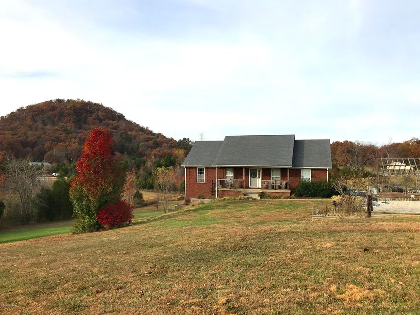 Single Family Home for Sale at 931 Pine Tavern Road 931 Pine Tavern Road Lebanon Junction, Kentucky 40150 United States