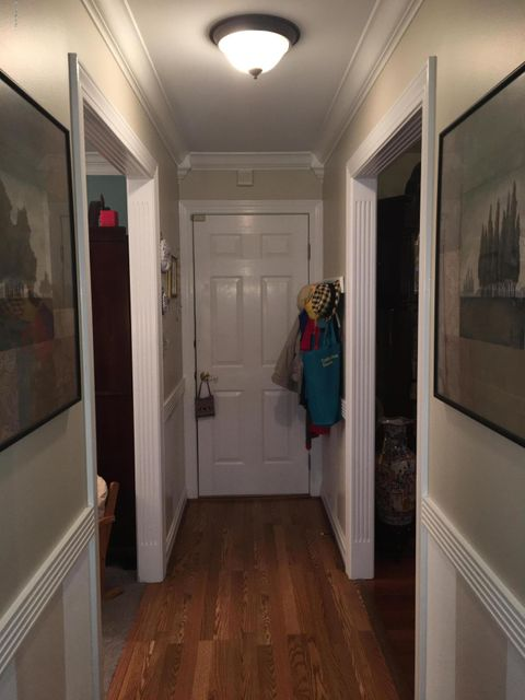 Additional photo for property listing at 6611 Woodrow Way 6611 Woodrow Way Louisville, Kentucky 40228 United States