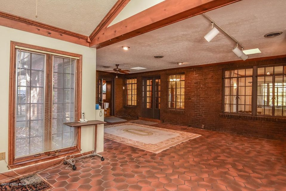 Additional photo for property listing at 534 Garden Drive 534 Garden Drive Louisville, Kentucky 40206 United States