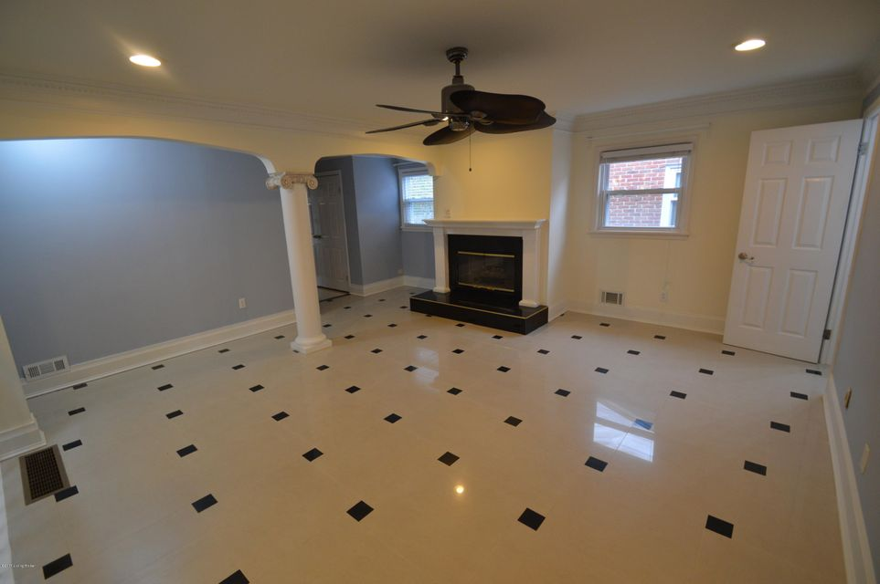 Additional photo for property listing at 4224 Buxton Drive 4224 Buxton Drive Louisville, Kentucky 40218 United States