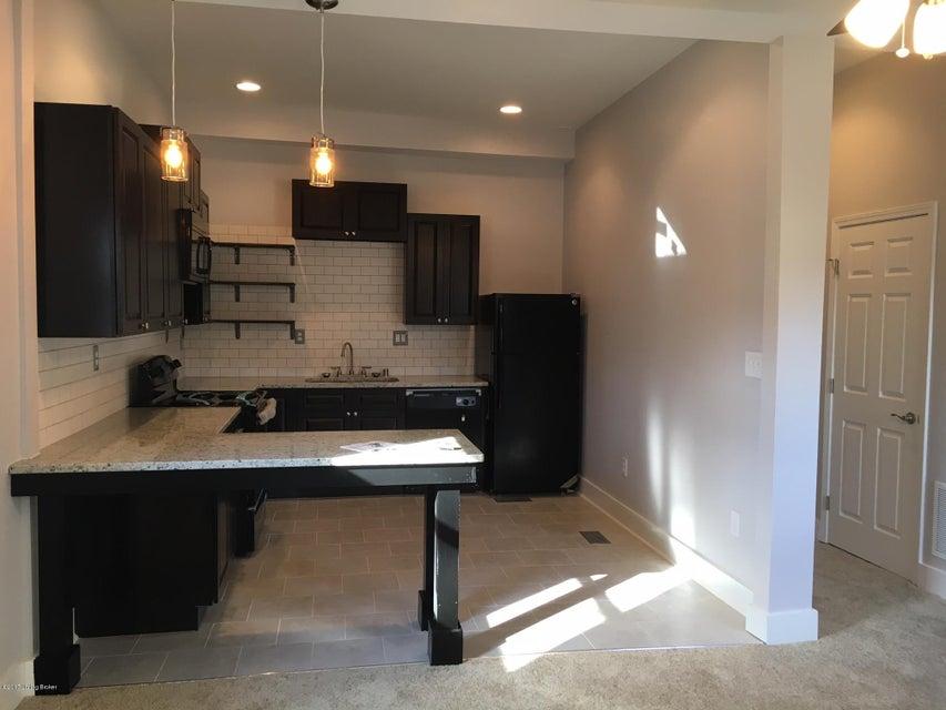 Single Family Home for Rent at 932 E Oak Street 932 E Oak Street Louisville, Kentucky 40204 United States