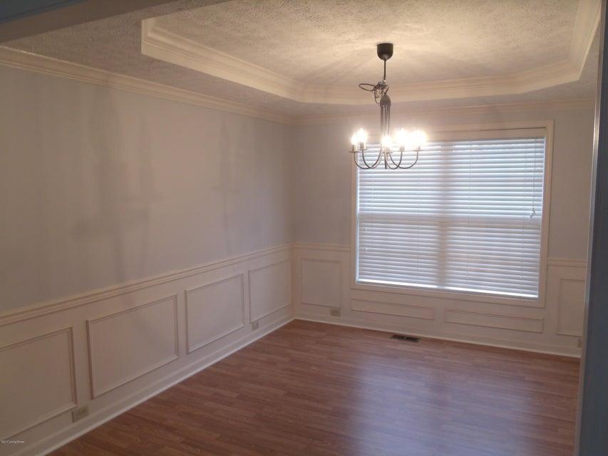 Additional photo for property listing at 5725 Waveland Circle 5725 Waveland Circle Louisville, Kentucky 40059 United States