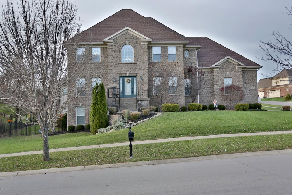 Single Family Home for Sale at 609 Locust Creek Blvd 609 Locust Creek Blvd Louisville, Kentucky 40245 United States