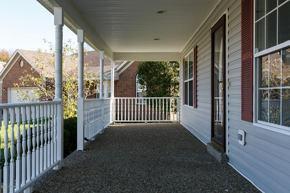 Additional photo for property listing at 8205 Grandel Place 8205 Grandel Place Louisville, Kentucky 40258 United States