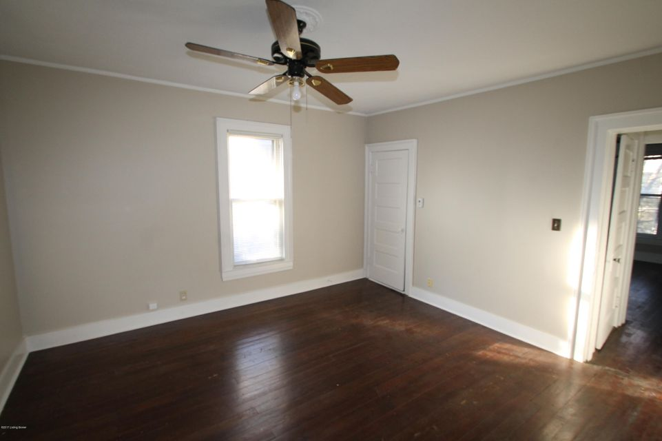 Additional photo for property listing at 111 S Bayly Avenue 111 S Bayly Avenue Louisville, Kentucky 40206 United States