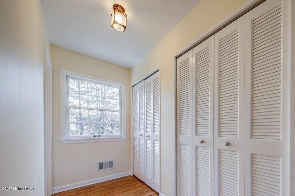 Additional photo for property listing at 9208 Trentham Lane 9208 Trentham Lane Louisville, Kentucky 40242 United States