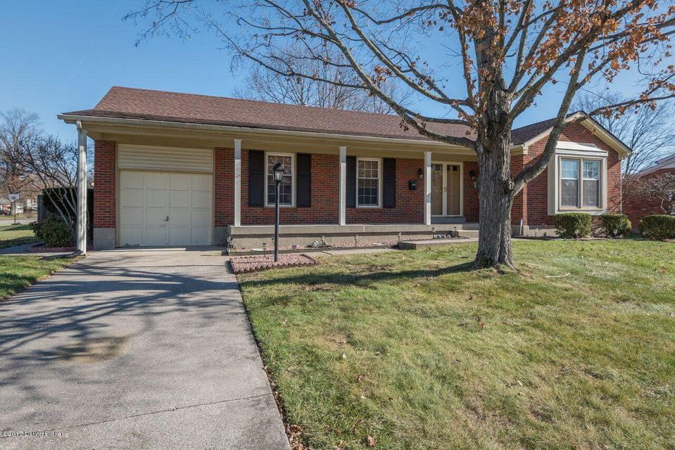 Additional photo for property listing at 6701 Broadhale Drive 6701 Broadhale Drive Louisville, Kentucky 40291 United States
