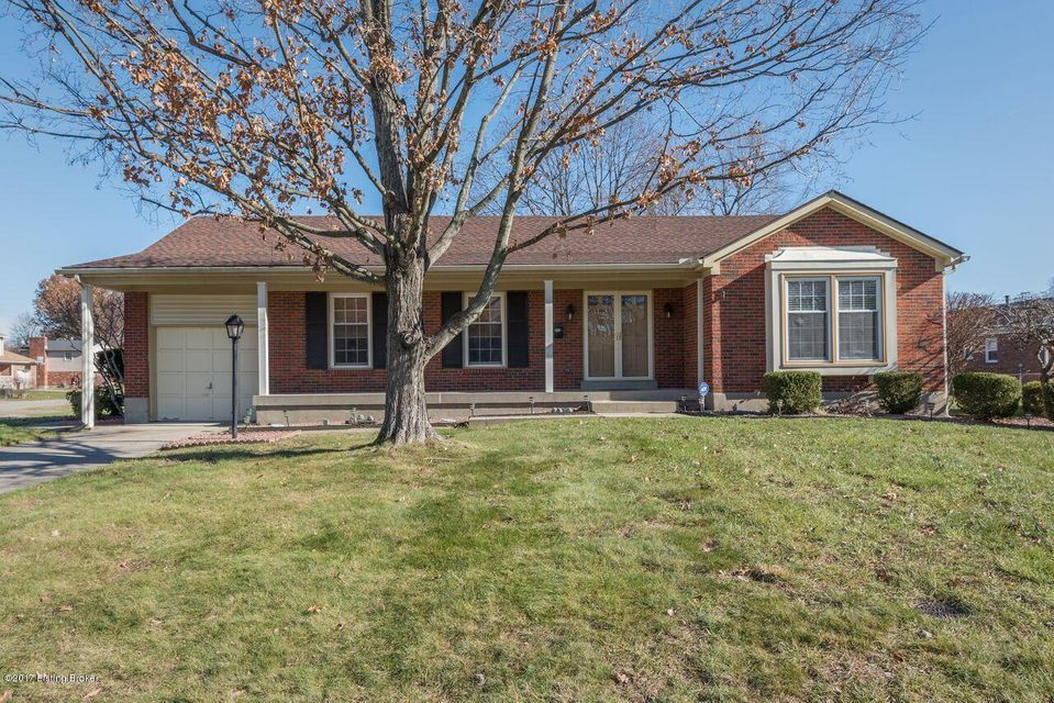 Single Family Home for Sale at 6701 Broadhale Drive 6701 Broadhale Drive Louisville, Kentucky 40291 United States