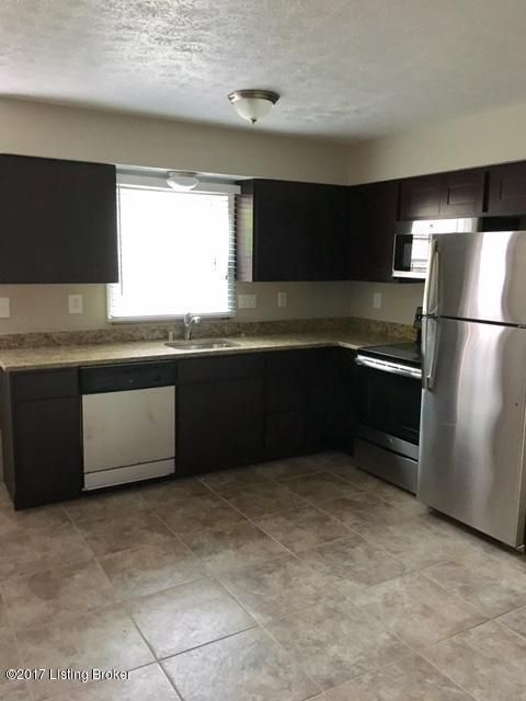 Additional photo for property listing at 7113 Chippenham Road 7113 Chippenham Road Louisville, Kentucky 40222 United States