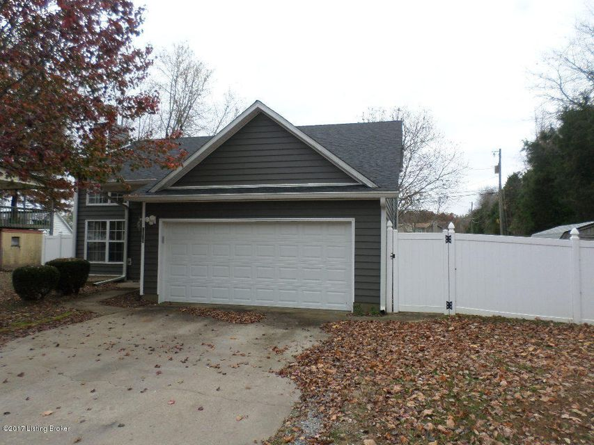 Single Family Home for Sale at 2671 N Lake Road 2671 N Lake Road Radcliff, Kentucky 40160 United States