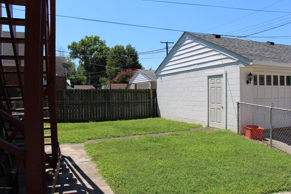 Additional photo for property listing at 2402 Bradley Avenue 2402 Bradley Avenue Louisville, Kentucky 40217 United States