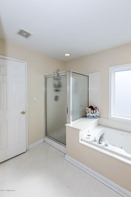 Additional photo for property listing at 3605 Wynbrooke Circle 3605 Wynbrooke Circle Louisville, Kentucky 40241 United States