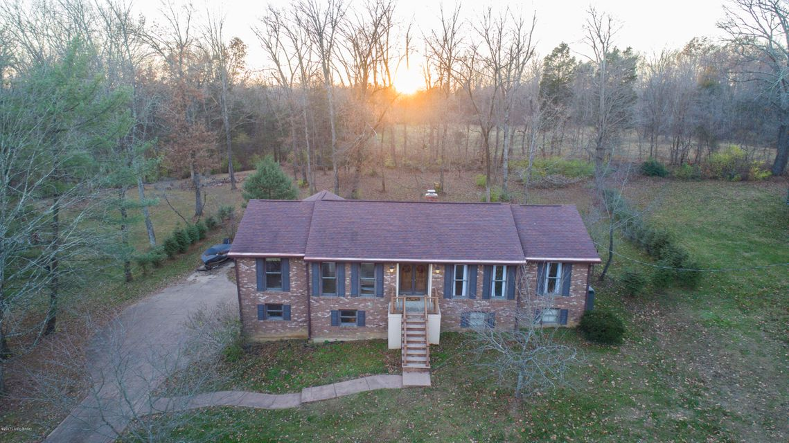Single Family Home for Sale at 203 Parkview Drive 203 Parkview Drive Louisville, Kentucky 40245 United States
