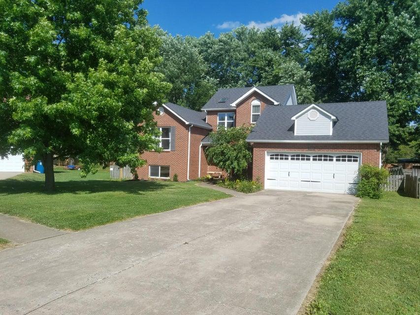 Single Family Home for Sale at 7703 Legler Drive 7703 Legler Drive Louisville, Kentucky 40258 United States