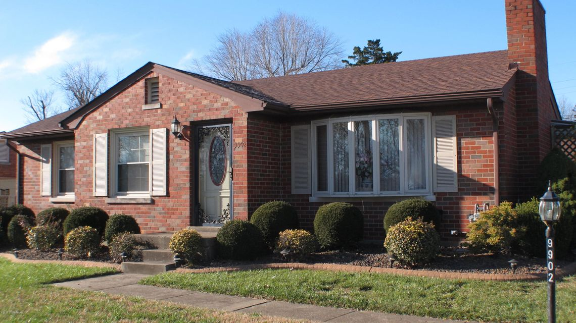 Single Family Home for Sale at 9902 Highcrest Avenue 9902 Highcrest Avenue Louisville, Kentucky 40272 United States