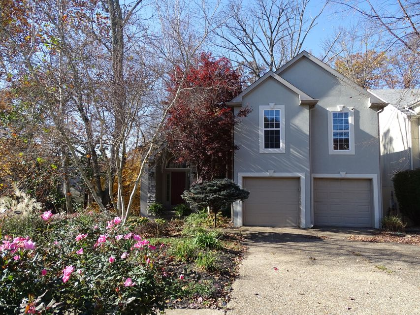 Single Family Home for Sale at 8703 Kings Lynn Lane 8703 Kings Lynn Lane Jeffersontown, Kentucky 40220 United States