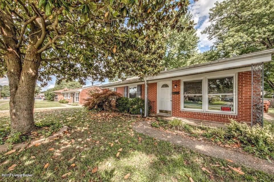 Single Family Home for Rent at 11005 Torrington Road 11005 Torrington Road Louisville, Kentucky 40272 United States