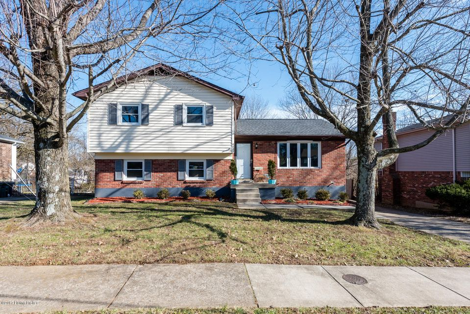 Single Family Home for Sale at 4409 Burgundy Drive 4409 Burgundy Drive Louisville, Kentucky 40299 United States