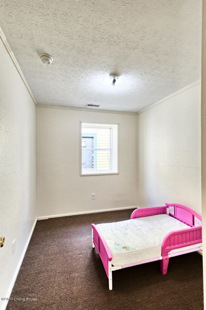 Additional photo for property listing at 819 S Jackson Street 819 S Jackson Street Louisville, Kentucky 40203 United States