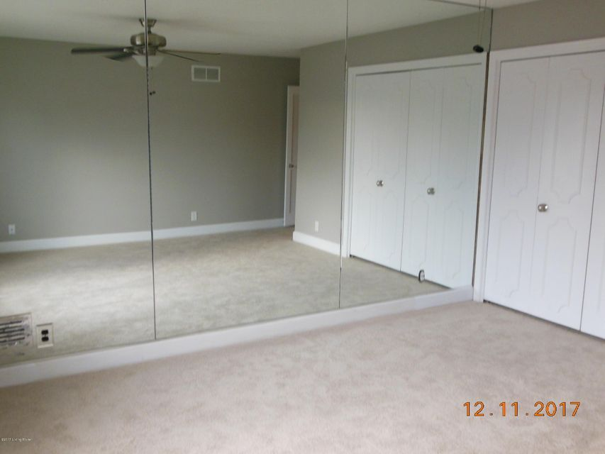 Additional photo for property listing at 7909 Westover Drive 7909 Westover Drive Prospect, Kentucky 40059 United States