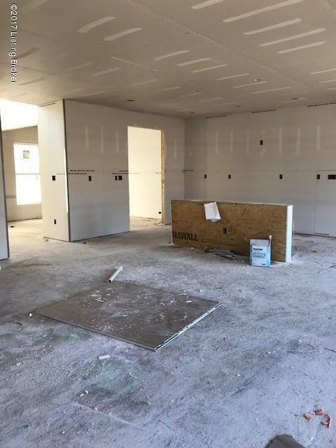 Additional photo for property listing at 7206 Black Walnut Circle 7206 Black Walnut Circle Louisville, Kentucky 40229 United States