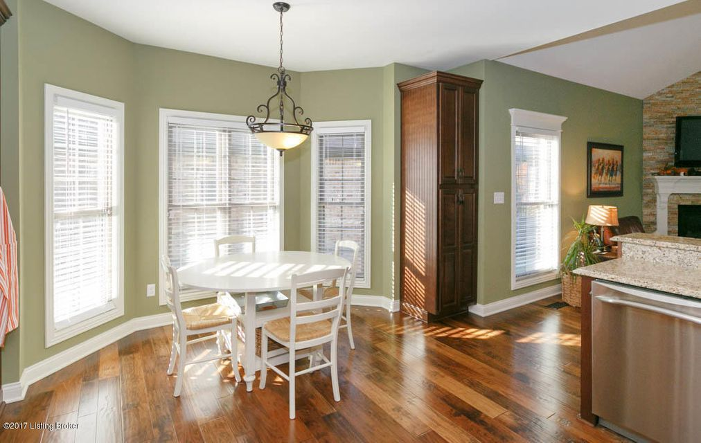 Additional photo for property listing at 11101 Pebble Creek Drive 11101 Pebble Creek Drive Louisville, Kentucky 40241 United States
