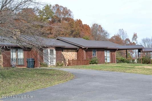 Single Family Home for Sale at 294 Halltown Road 294 Halltown Road Canmer, Kentucky 42722 United States