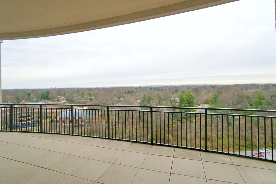 Additional photo for property listing at 6600 Seminary Woods Place 6600 Seminary Woods Place Louisville, Kentucky 40241 United States