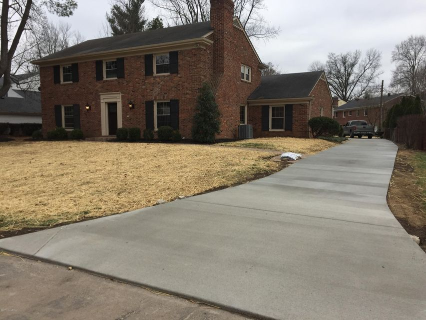 Single Family Home for Sale at 8202 Old Gate Road 8202 Old Gate Road Louisville, Kentucky 40241 United States