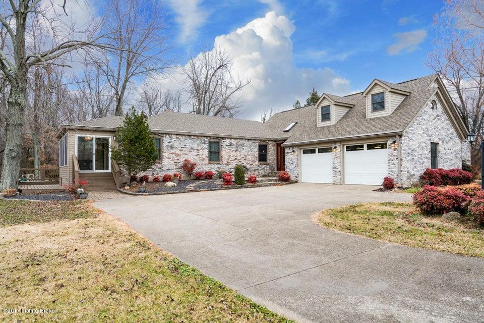 Single Family Home for Sale at 8609 Attu Lane 8609 Attu Lane Louisville, Kentucky 40291 United States
