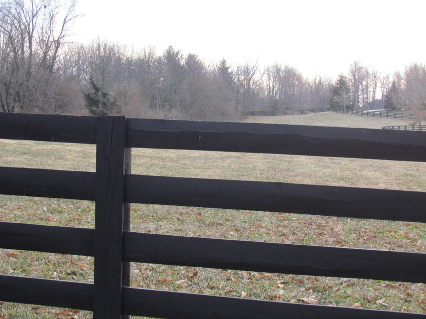Additional photo for property listing at 11530-A W Hwy 42 11530-A W Hwy 42 Goshen, Kentucky 40026 United States