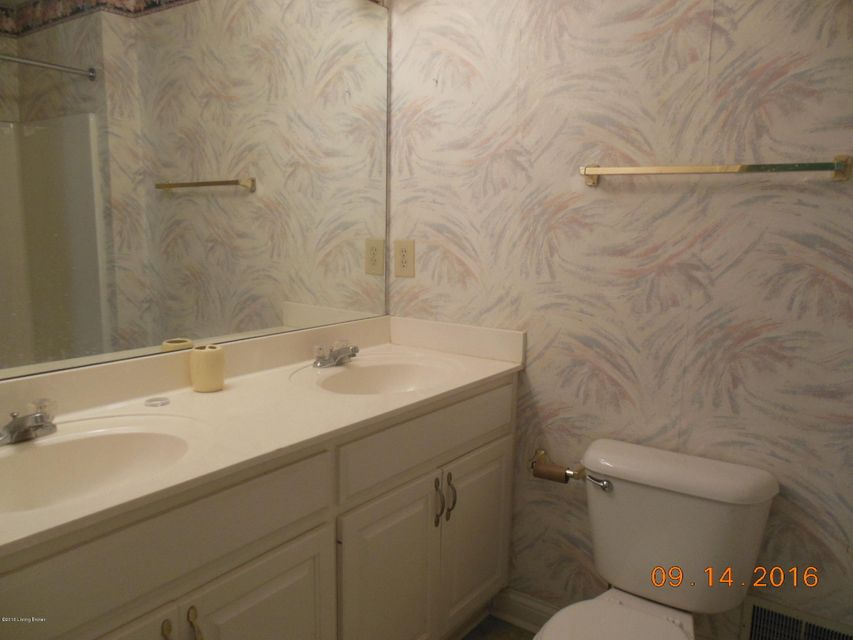 Additional photo for property listing at 12002 Valley Drive 12002 Valley Drive Goshen, Kentucky 40026 United States